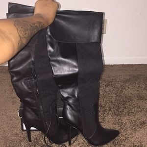 Black Izabella Rue High Heeled boots